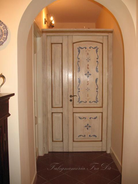 Porta a due ante differenti dipinta a mano falegnameria frad falegname a palermo - Porte a palermo ...