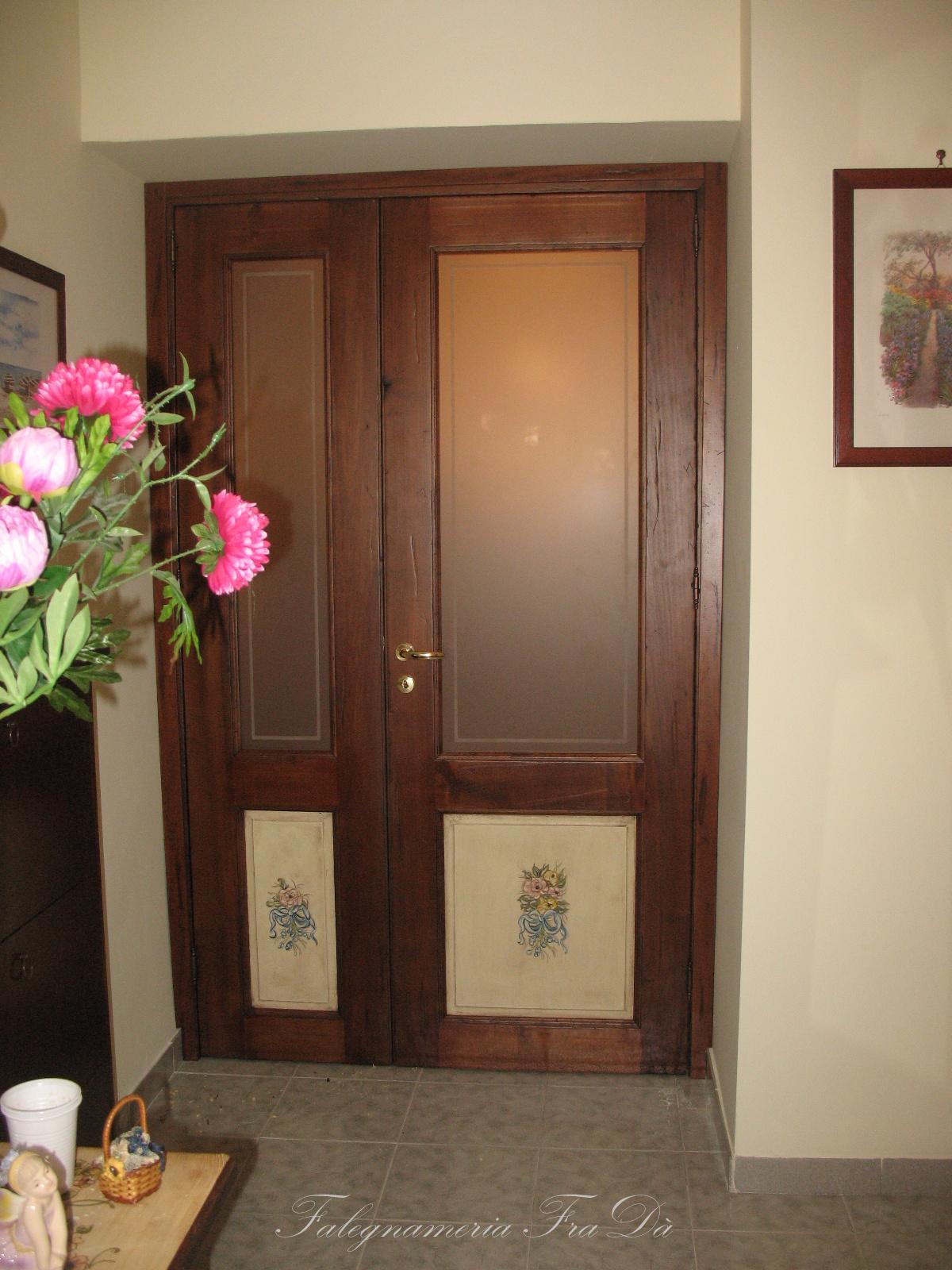 Porta a due ante decorata 1 falegnameria frad for Porta a libro due ante