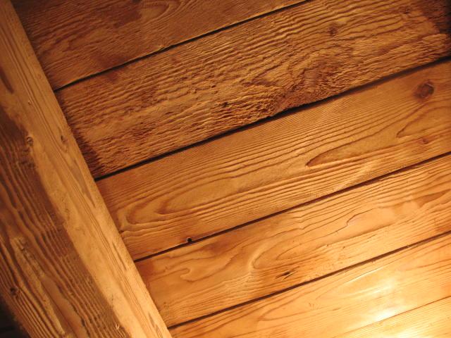 tetto in legno spazzolato castelbuono