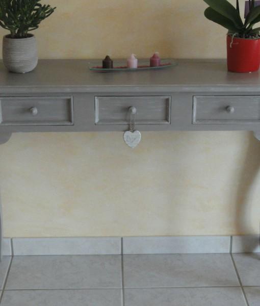 Consolle con tre cassetti in legno massello artigianale