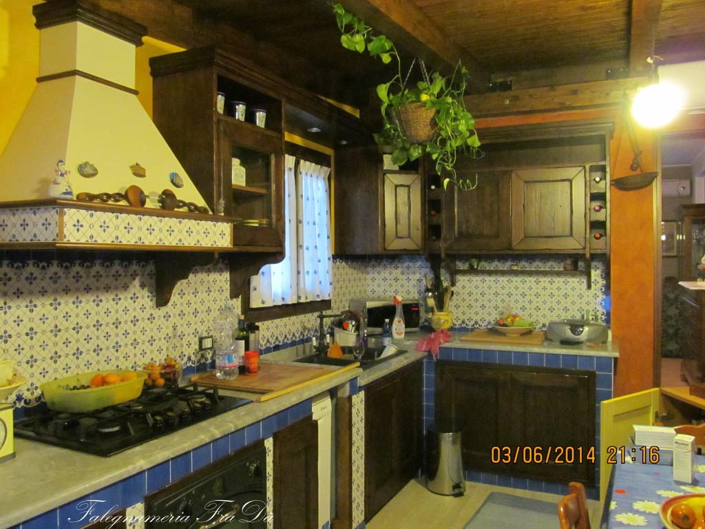 Cucina in muratura e legno falegnameria frad - Cucina falegname ...