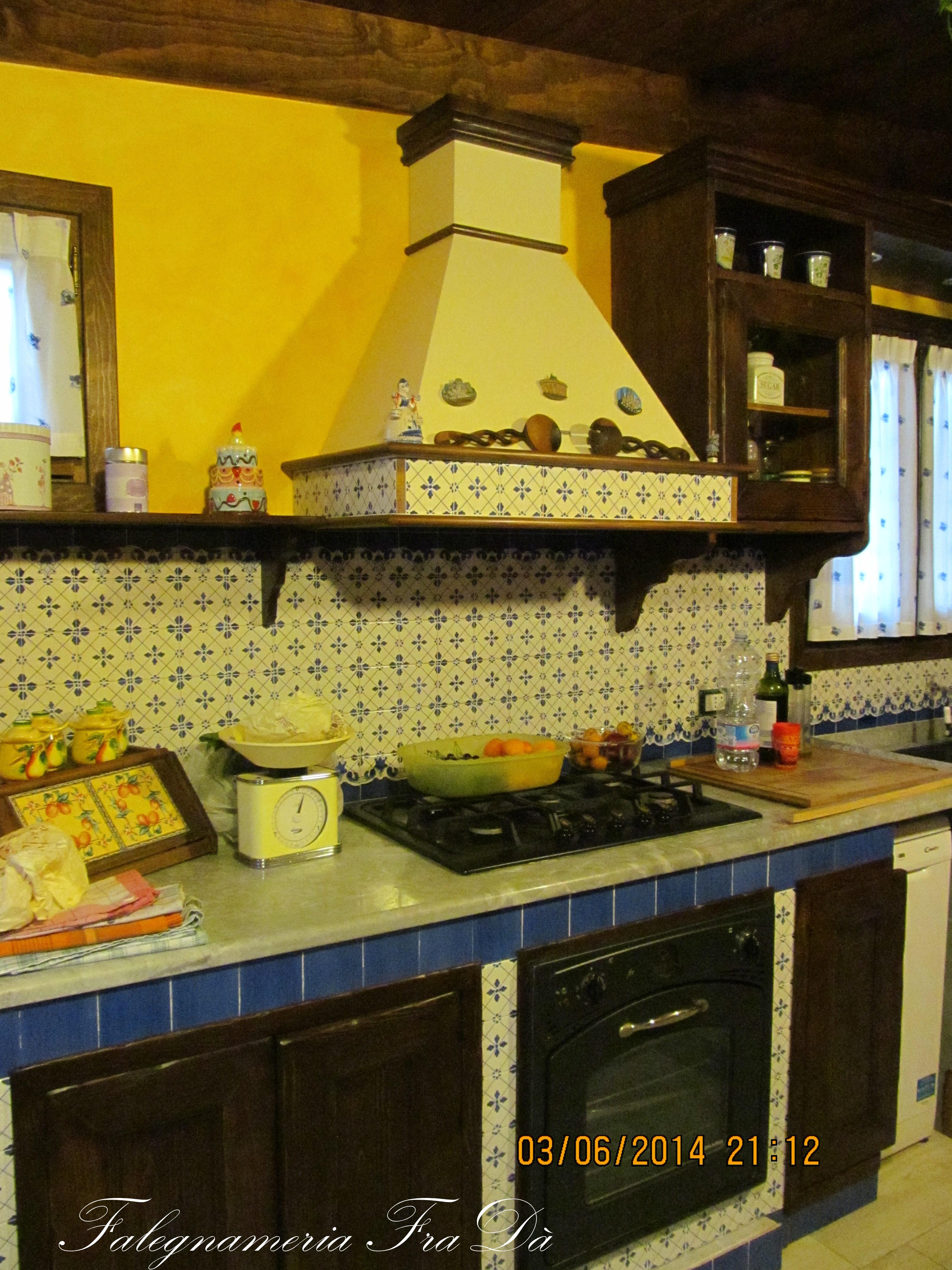 cucina in legno massello muratura