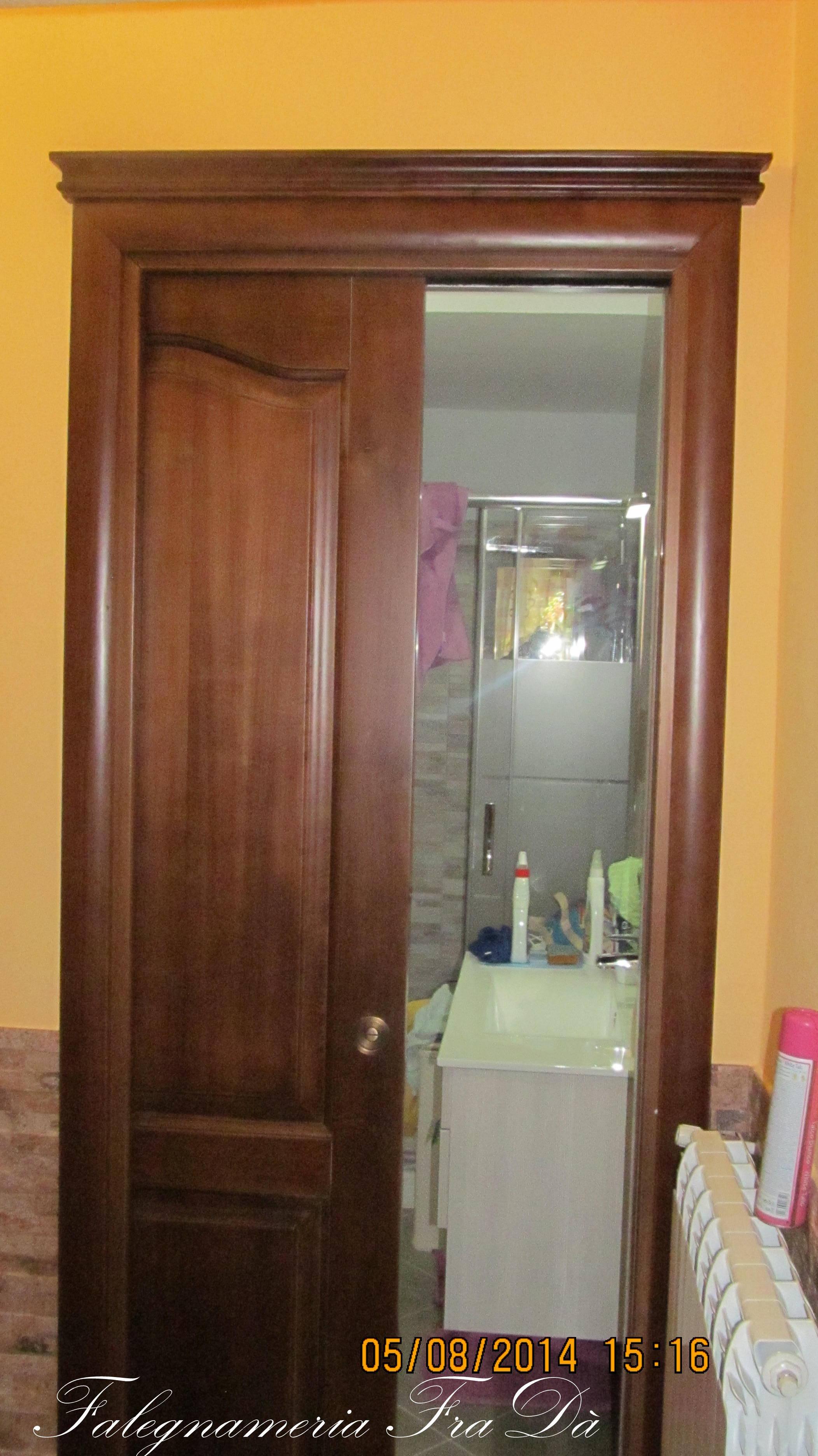 porta scrigno in legno massello porta scorrevole