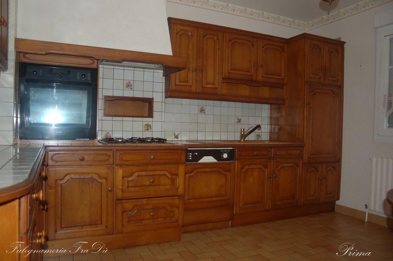 recupero creativo di una vecchia cucina in legno