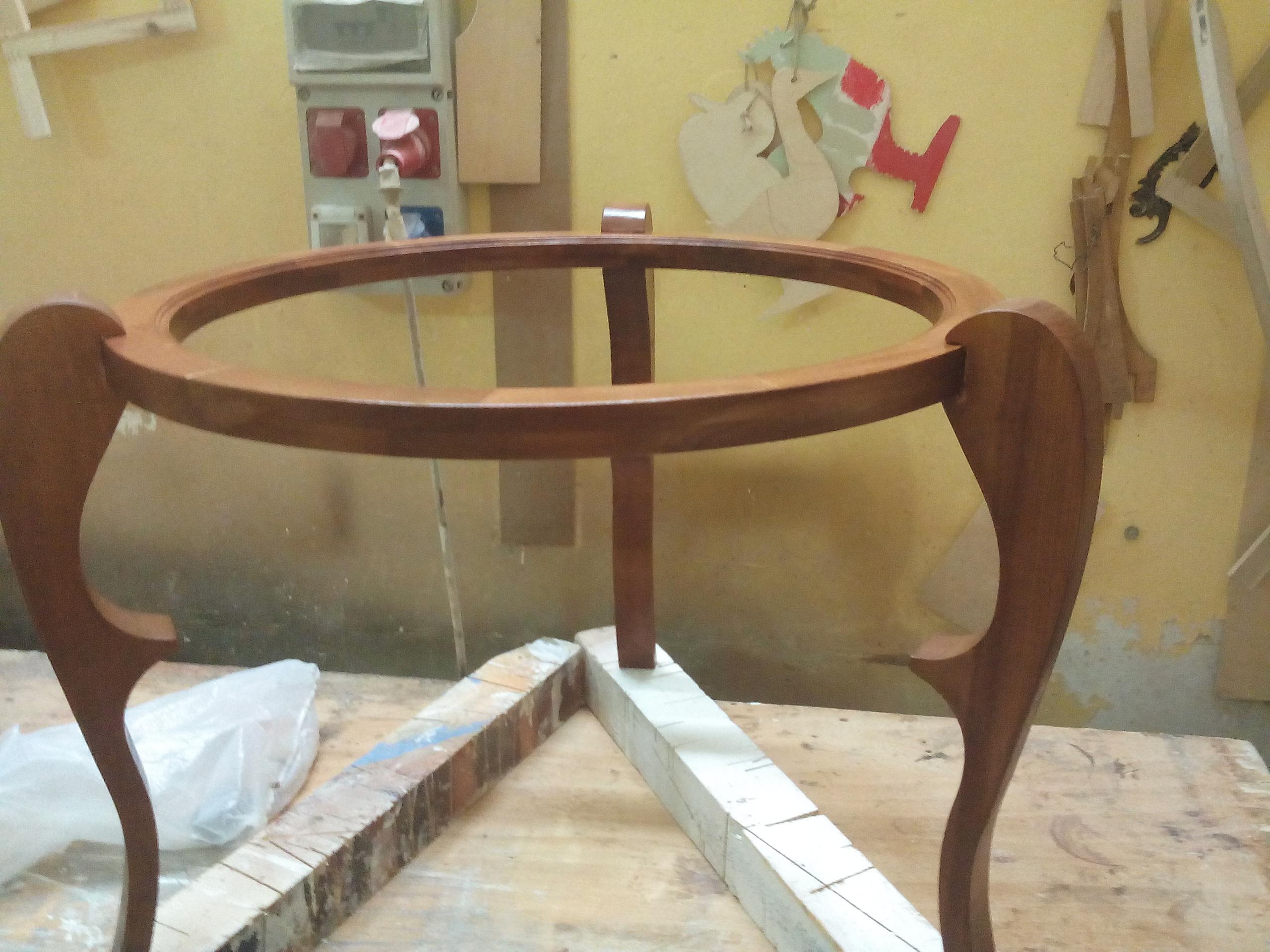 tavolino artigianale in legno