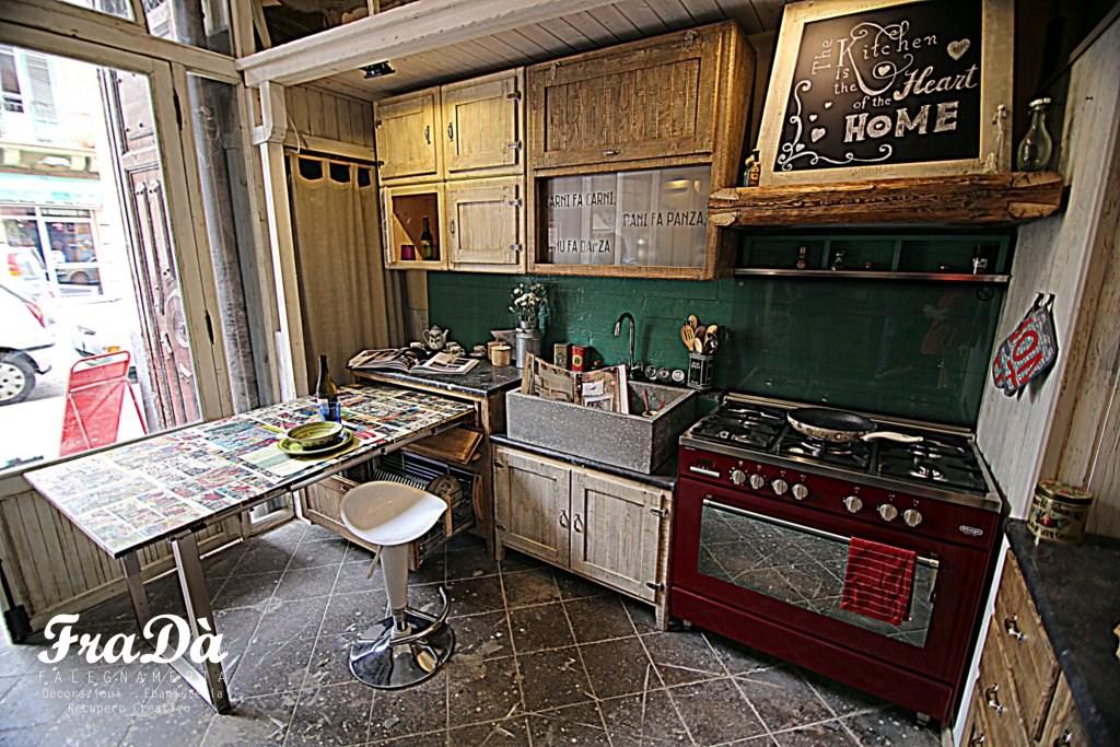 Cucina in legno stile vintage - Falegnameria Fradà - falegname a palermo