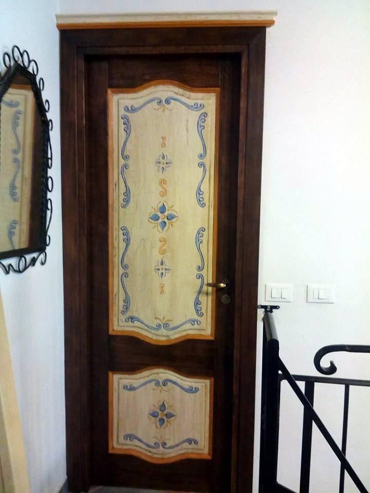 Porte decorate pronte per la consegna falegnameria frad falegname a palermo - Porte decorate per interni ...
