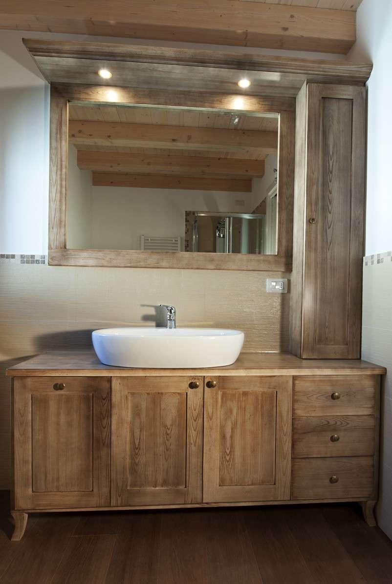 Arredare il bagno con mobili in legno falegnameria frad falegname a palermo - Mobili bagno palermo ...