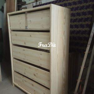 Cassettiera in legno su misura