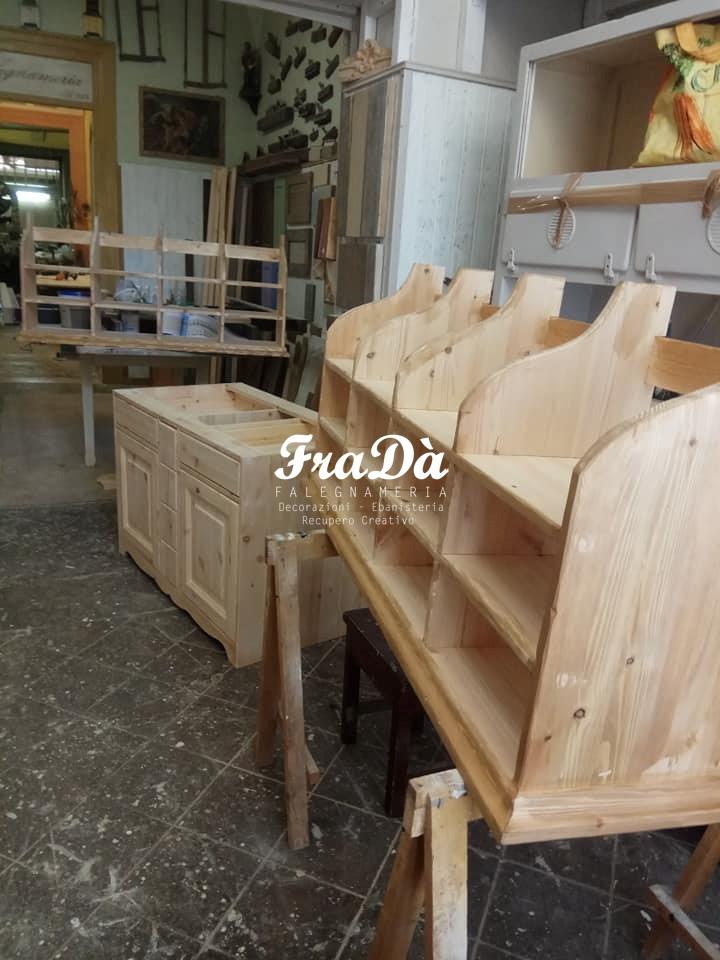 Progetto Cassettiera In Legno.Mobili In Legno Massello Spedizione In Tutta Italia