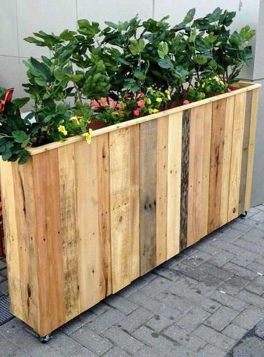 Fioriera in legno riciclato