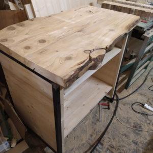mobile in legno e ferro