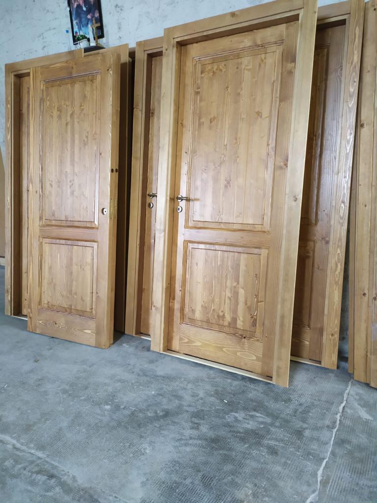 porte in legno spazzolato e invecchiato