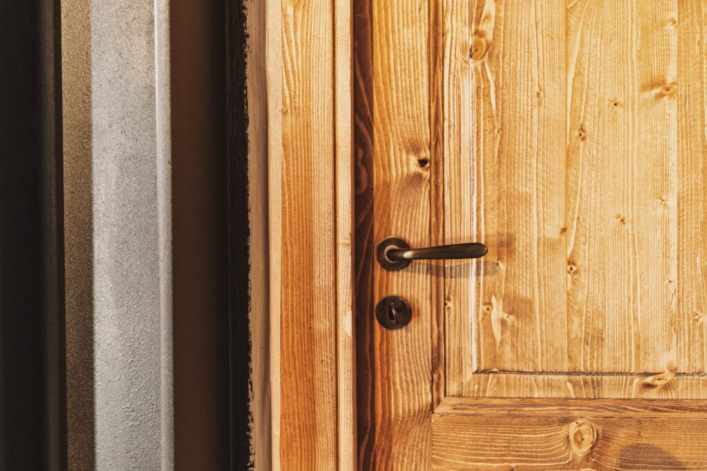 porte in legno massello su misura